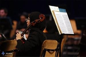 ارکستر سمفونیک تهران به رهبری ایوان الیو تمرین کرد