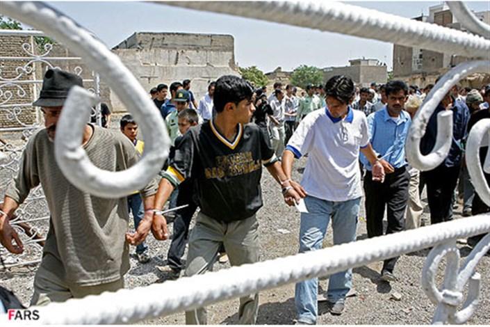اردوگاههای اجباری درمان اعتیاد جمع میشود