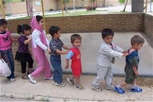کودک به دلیل جرم مادر باید در زندان باشد/ ۴۰۰ تا ۴۳۰ کودک زیر 7 سال در کشوربا  مادران خود در زندان ها هستند