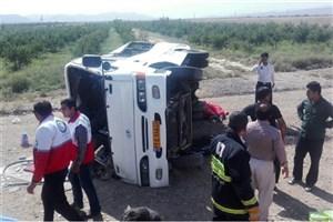 اتوبوس کارکنان عسلویه واژگون  شد/6 نفر مجروح شدند