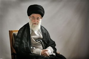 حضور نوروزی رهبر انقلاب در منزل یکی از شهدای مشهد