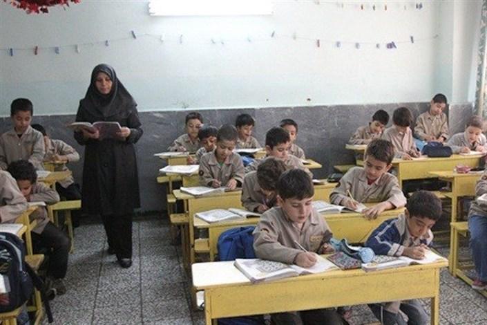 بازگشت ۱۰ معلم ایرانی از العین/ اعزام ۳۷۰ معلم به ۸۰ کشور دنیا
