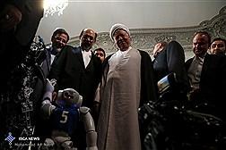 دیدار آیت الله هاشمی با اعضای تیم رباتیک دانشگاه آزاد اسلامی