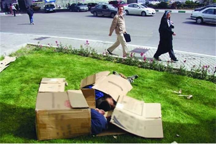 کارتن خواب های اطراف  حرم امام خمینی