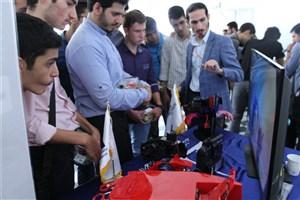 دومیننمایشگاه دستاوردهای علمی و صنعتی دانشجویان مهندسی کامپیوتر واحد علوم و تحقیقات/ رونمایی از ربات ماهی و ربات کاشت نهال