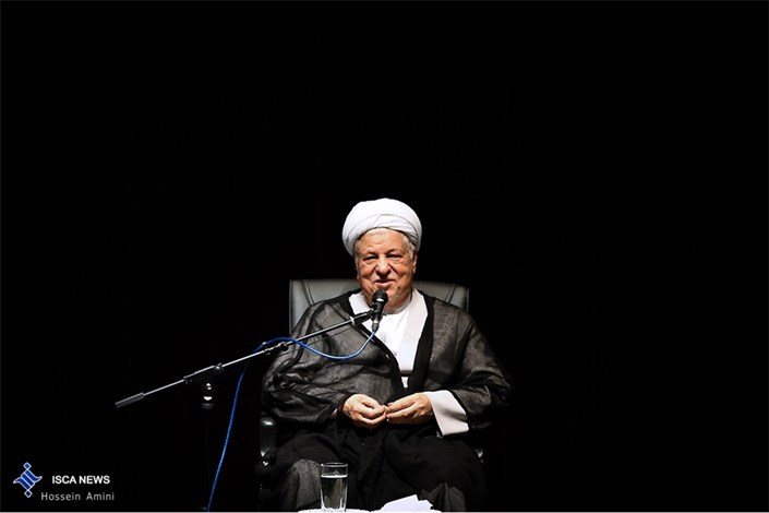 آیت الله هاشمی رفسنجانی: تأسیس دانشگاه آزاد اسلامی، لطف خدا بوده است/ایران را به جایگاهی که استحقاق دارد، برسانیم