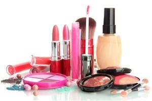 شناسایی و جمع آوری بیش از 100برند از محصولات آرایشی و بهداشتی غیر مجاز و تقلبی