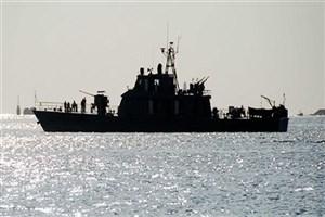 کشتی ائتلاف متجاوز سعودی هدف موشکهای انصارالله یمن قرار گرفت