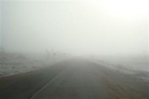 مهگرفتگی و کاهش دید در 2 محور کندوان و فیروزکوه/بارش باران در اکثر محورهای استان گیلان