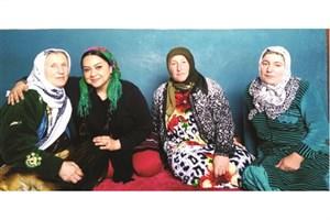 باید سبک سفر کرد، بدون بارِ اضافه/ عشق، نقطه مشترک مردم جهان/دور دنیا با زن جهانگرد ایرانی