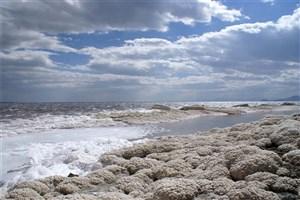 اگر دریاچه ارومیه احیا نشود سلامت دستکم ۱۴میلیون نفر به خطر میافتد
