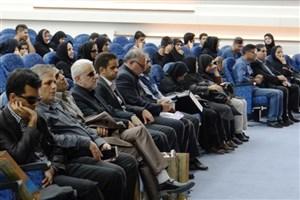 """به مناسبت روز عصای سپید; میزگرد علمی""""از استقلال فردی تا استقلال خانوادگی""""برگزار شد"""