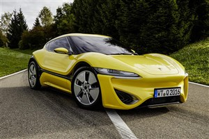 فلوسل احتمالا خودروی الکتریکی خود را به تولید انبوه خواهد رساند/تصاویر