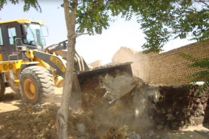 تخریب دیوار کشی های غیر مجاز