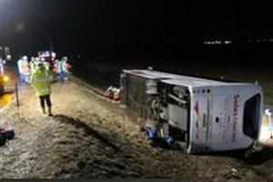 ۲۰ مصدوم در واژگونی اتوبوس راهیان نور/بارندگی حادثه آفرید