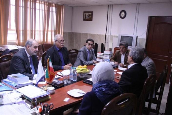 رئیس دانشگاه پلی تکنیک میلان ایتالیا از واحد علوم و تحقیقات بازدید کرد