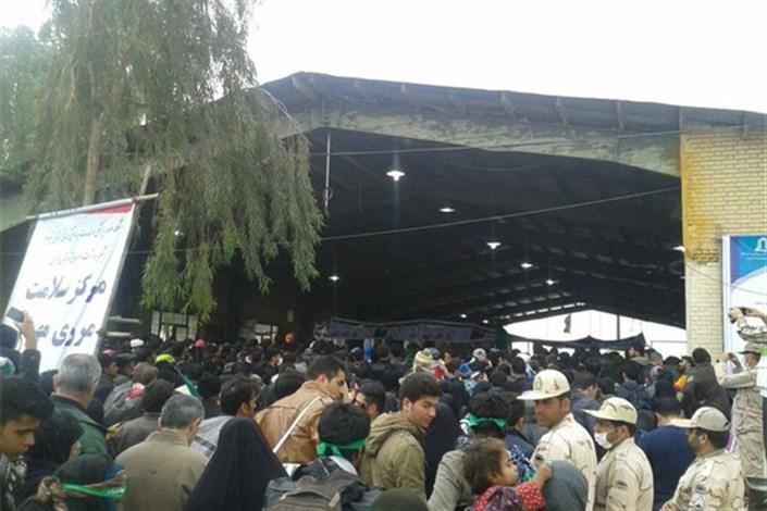 ازدحام جمعیت در مرز مهران/ زائران از شلمچه و چزابه تردد کنند