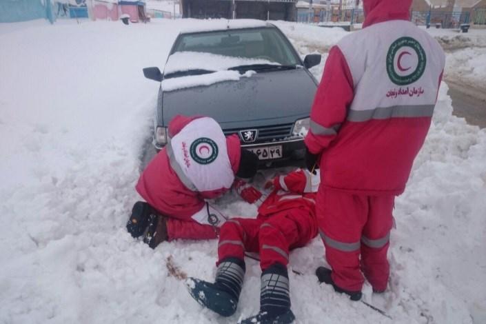 امداد رسانی برف