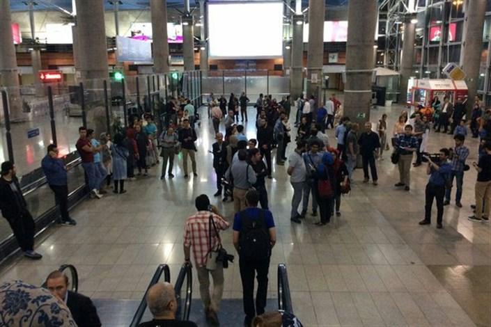 حمل فیزیکی بیش از ۱۰ هزار دلار اسکناس توسط مسافران، قاچاق ارز است