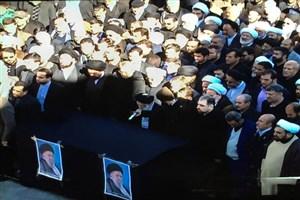 تشییع پیکر آیت الله موسوی اردبیلی(ره) در قم/اقامه نماز از سوی آیت الله العظمی شبیری زنجانی