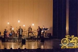 «دال» در تالار وحدت «گذر اردیبهشت» را اجرا می کند
