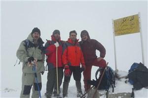 صعود تیم کوهنوردی دانشگاه آزاداسلامی رودهن به قله تله کمر دماوند
