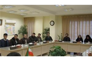 نشست صمیمی فرماندار شهرستان لاهیجان با مسئولان تشکلهای دانشجویی