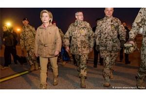 دیدار وزیر دفاع آلمان با سربازان این کشور در مزارشریف