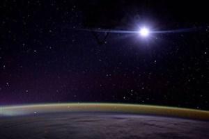 طلوع ماه را از افق زمین ببینید