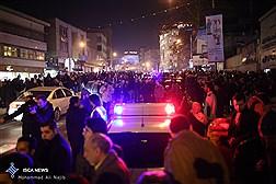 تجمع مردم در مقابل بیمارستان شهدای تجریش محل فوت آیت الله هاشمی رفسنجانی