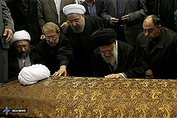 مراسم تشییع حجت الاسلام والمسلمین هاشمی با حضور مقام معظم رهبری در دانشگاه تهران