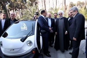 بازدید رئیس جمهوری از محصولات تولیدی سه شرکت دانش بنیان