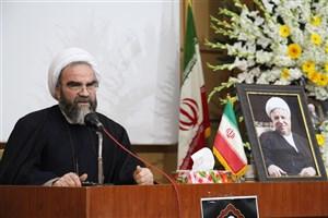 آیت الله غرویان:  دانشگاه آزاد اسلامی باید فکر و اندیشه های آیت الله هاشمی را زنده نگهدارد