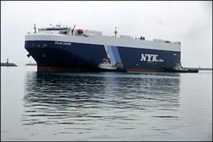دیدار مدیران خط کشتیرانی NYK ژاپن با مدیرکل بنادر هرمزگان/ پهلوگیری نخستین کشتی حمل خودرو با پرچم ژاپن در بندر شهید رجایی