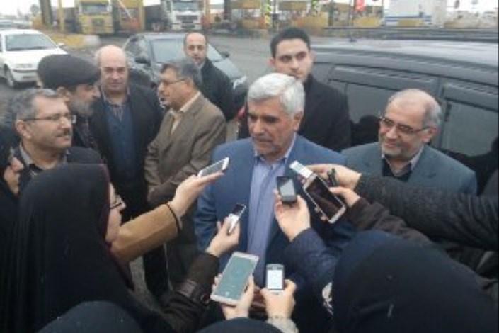 دکتر فرهادی در جمع خبرنگاران