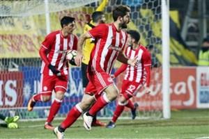 انصاری فرد بهترین مهاجم لیگ یونان