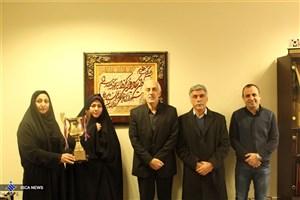 اهدا  جام نایب قهرمانی کبدی بانوان دانشگاه آزاد اسلامی به دادگان