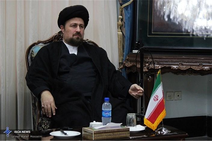 تجدید بیعت وزیر ارشاد و معاونین وی با آرمان های امام خمینی(ره)