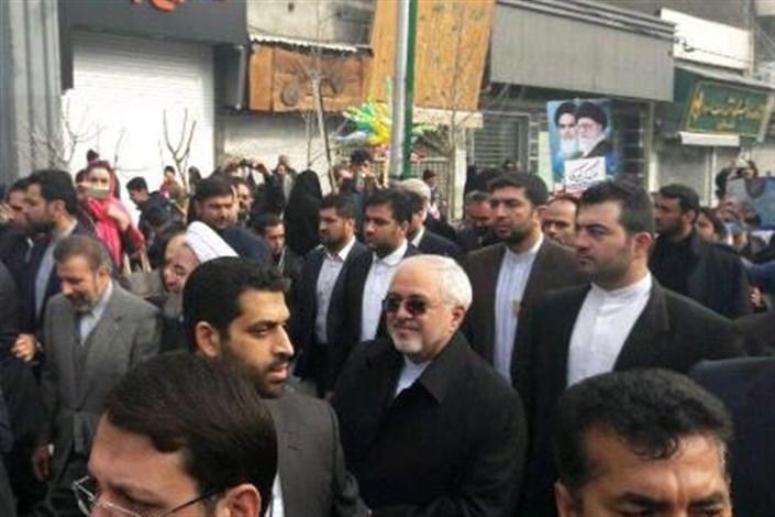 ظریف: حضور مردم امروز همه تهدیدات را خنثی خواهد کرد