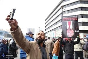 استقرار پایگاه های کمپین سلامت قلب در مسیر راهپیمایی 22 بهمن تهران