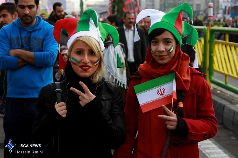دعوت دانشگاهیان استان آذربایجان غربی از مردم برای حضور پرشور در راهپیمایی 22 بهمن