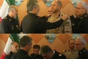 فرماندهان تیپ تفنگداران امام حسین(ع) و کارخانجات بوشهر نداجا به درجه دریادار دومی نایل شدند