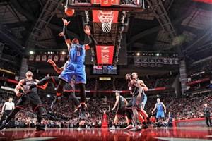 پیروزی صدرنشینان کنفرانس شرق و غرب در لیگ NBA