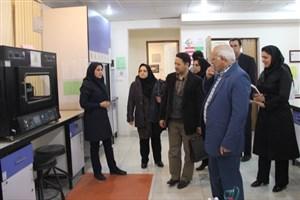 نمایندگان هیات ممتحنه اقتصاد و مدیریت دارو از امکانات واحد علوم دارویی بازدید کردند