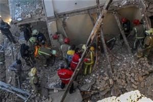 ریزش ساختمان مسکونی در خیابان کریمخان/زن80 ساله جان باخت