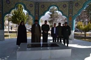 رئیس دانشگاه آزاد اسلامی استان کهگیلویه وبویراحمد با مسئولین سپاه فتح استان دیدارکرد