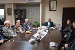 تبریک سال نو به 4 رزیدنت داخلی، دانشگاه علوم پزشکی آزاد اسلامی واحد تهران