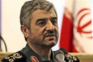 فرمانده کل سپاه: همه ی مسئولان نظام باید خود را با پیشروندگی شتابان انقلاب اسلامی در دنیا هماهنگ کنند