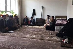 صادقی : شهدا با جانفشانی خود کشور و انقلاب را بیمه کرده اند