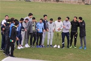 اعتصاب استقلالیها به خاطر شامپو!/ شعار بازیکنان علیه جهانیان